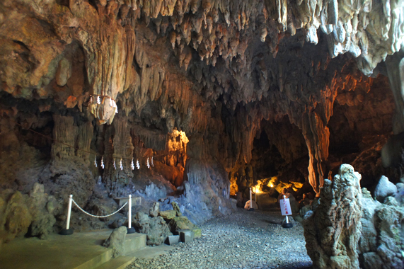 沖縄の観光【普天間宮洞穴(鍾乳洞)】