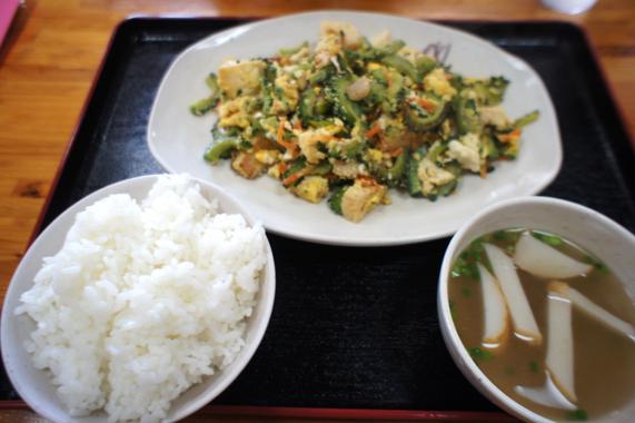 沖縄のランチ【ゴーヤチャンプル】