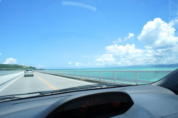 沖縄の人気絶景観光スポット【古宇利大橋】
